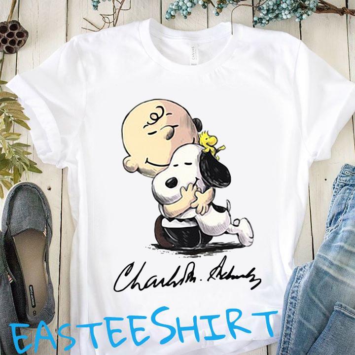 Charlie Brown Hug Snoopy Signature Shirt